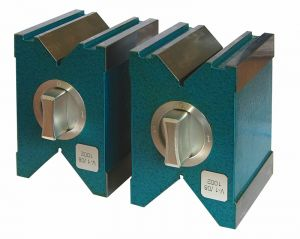 Magnetic V-block pair, hardened, accuracy 0,005 mm, for shaft 6-66 mm