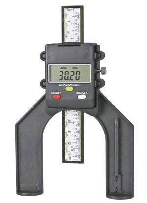 Digital gauge for adjustment of milled or circular saws